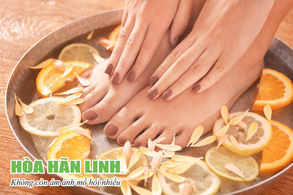 Mẹo chữa mồ hôi tay chân đơn giản với chanh tươi